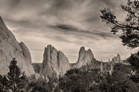 Colorado-Garden-Gods-Mono-Tone-View